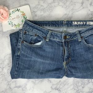 NY&CO Low Rise Curvy Straight Leg Skinny Jeans